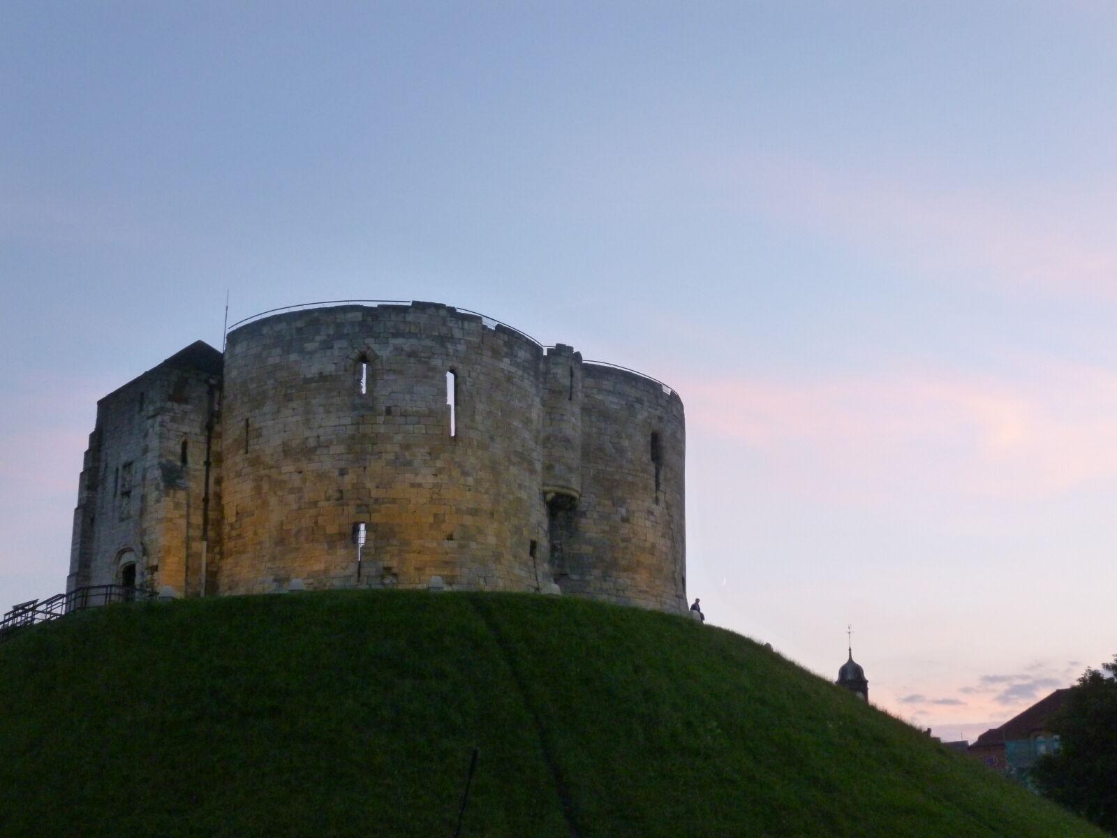 "Panasonic DMC-SZ3 sample photo. ""Castle, evening, fort, york"" photography"