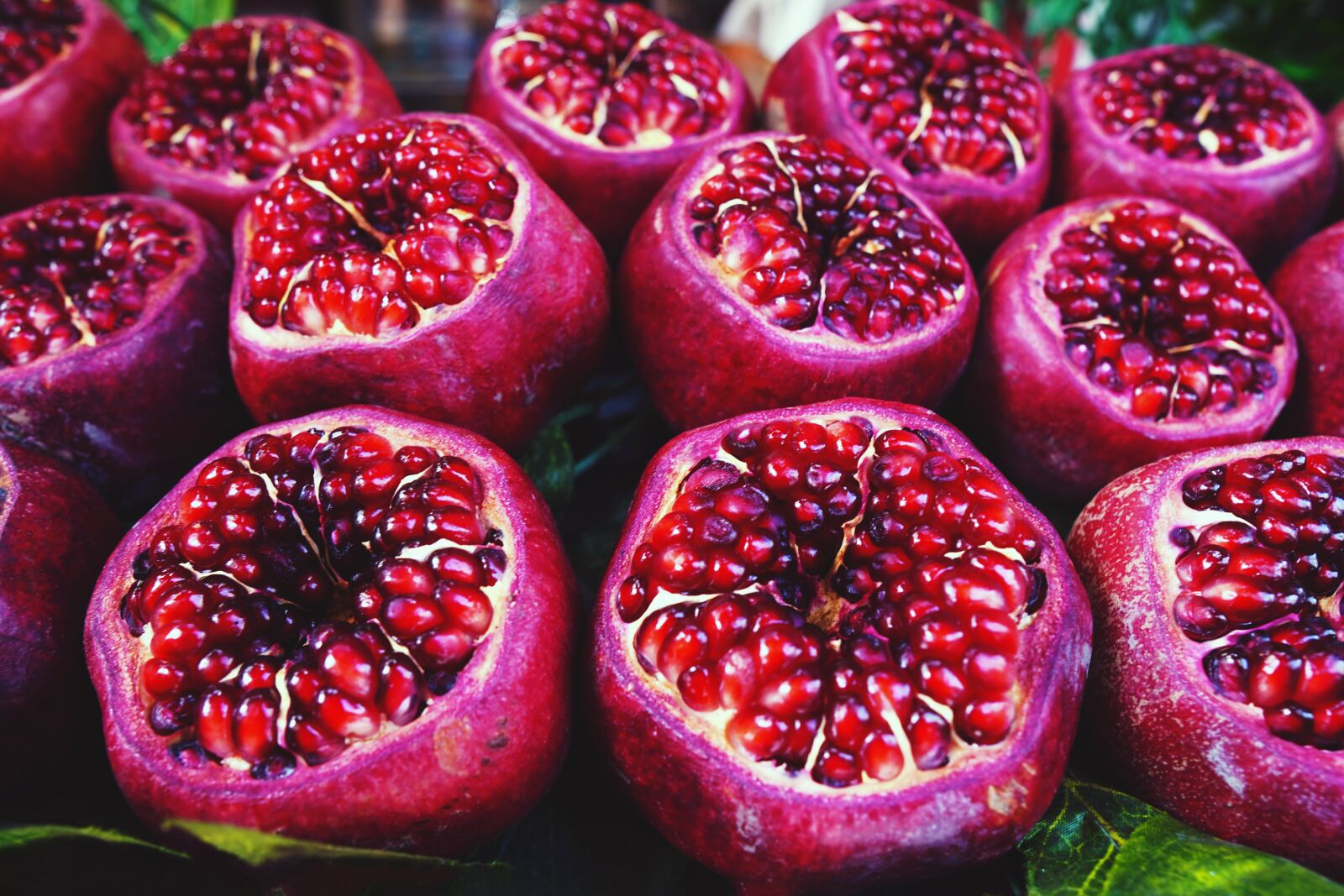 """Sony a6400 sample photo. """"Pomegranate, fruit, red"""" photography"""