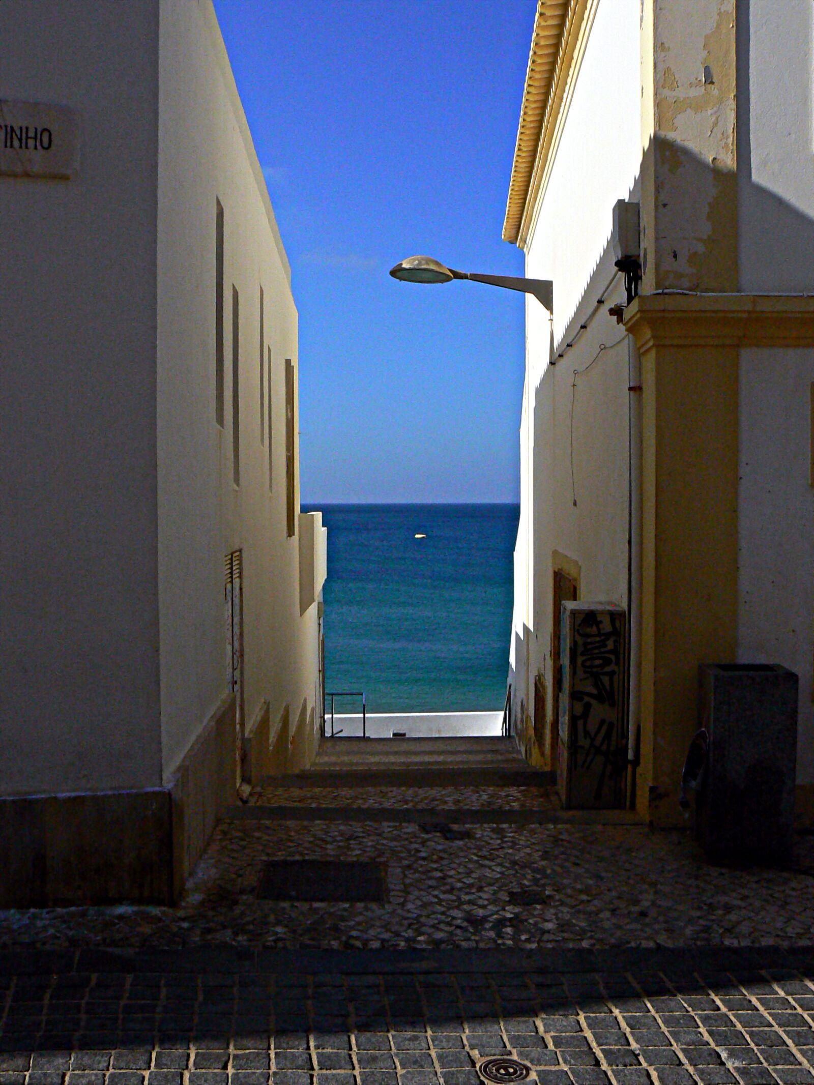 "Panasonic DMC-FZ7 sample photo. ""Sea, lane, perspective"" photography"
