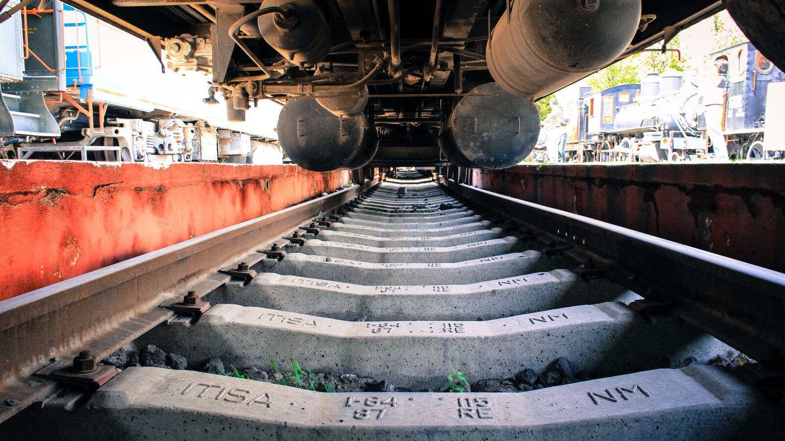 "Canon EOS 600D (Rebel EOS T3i / EOS Kiss X5) sample photo. ""Train, railway, via"" photography"