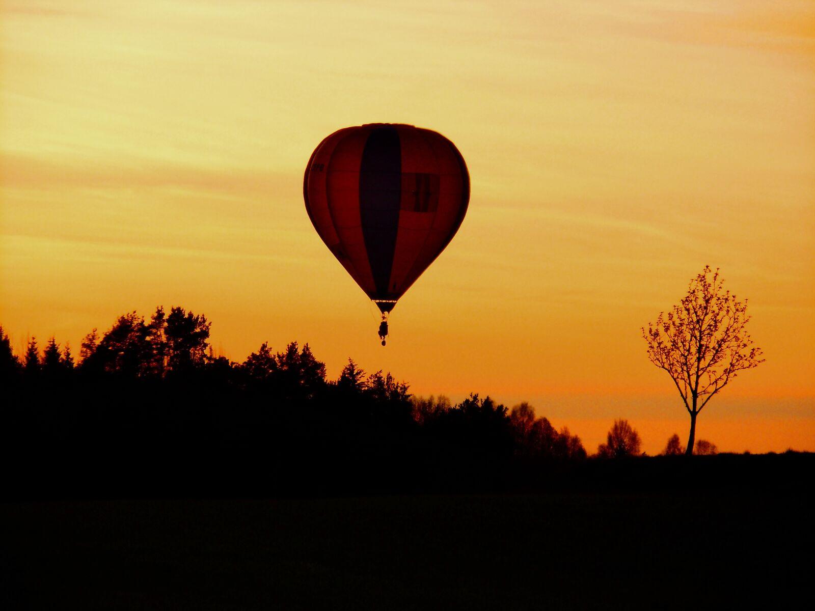 "Nikon Coolpix S8000 sample photo. ""Flight, balloon, flying"" photography"