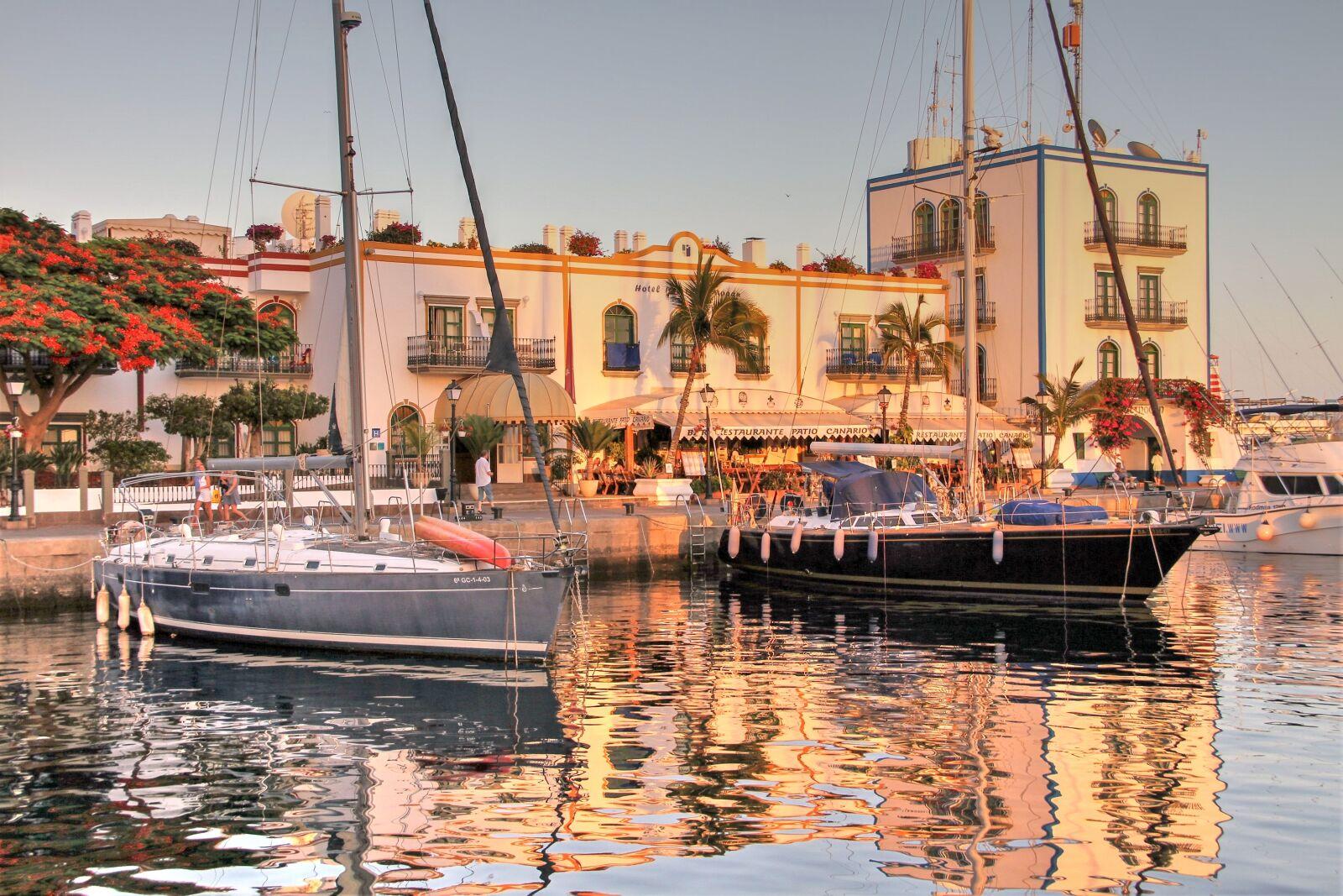 "Canon EOS 7D sample photo. ""Port, boats, sea"" photography"