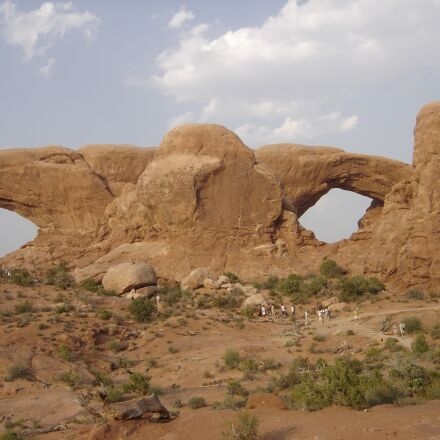 park arches, windows, utah, Sony DSC-P93A
