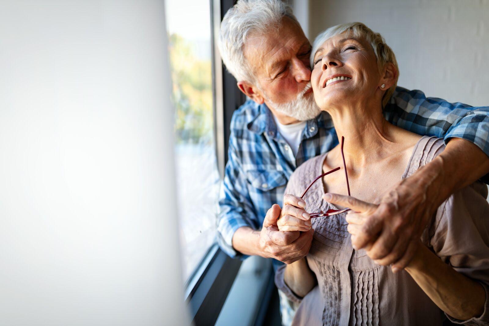 "Canon EOS-1D X Mark II sample photo. ""Happy, smiling, senior couple"" photography"