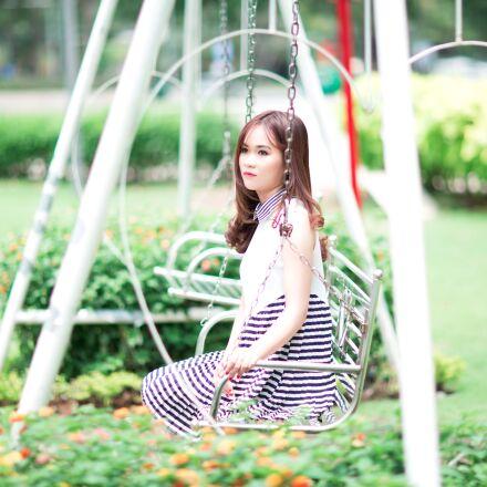girl, swing, playground, Canon EOS 5D MARK III