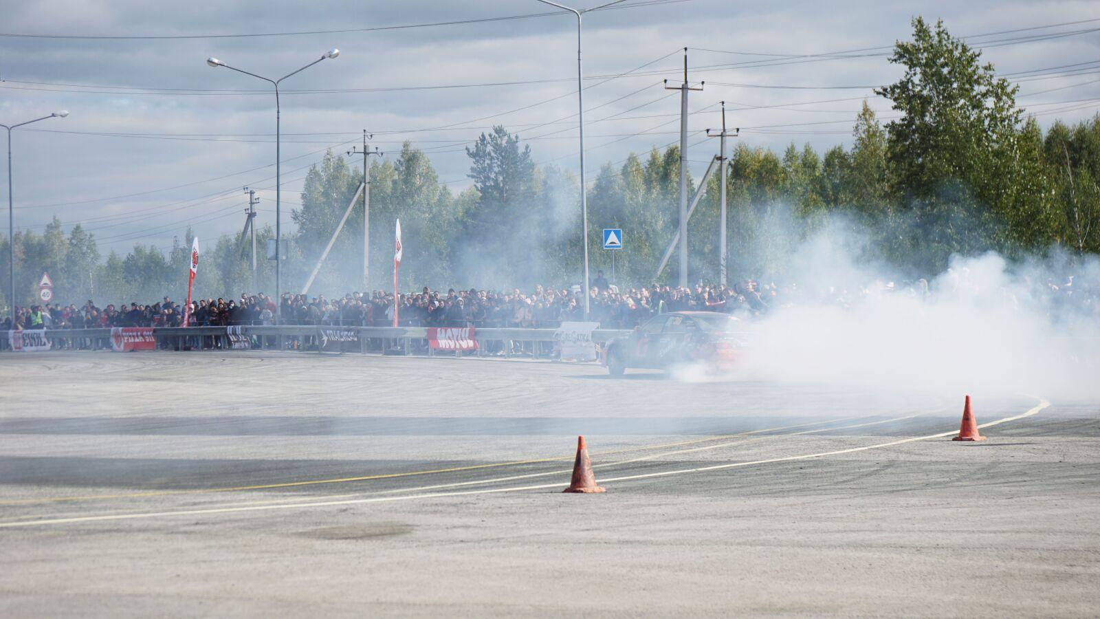 "Sony a6000 sample photo. ""Racing, auto, machinery"" photography"