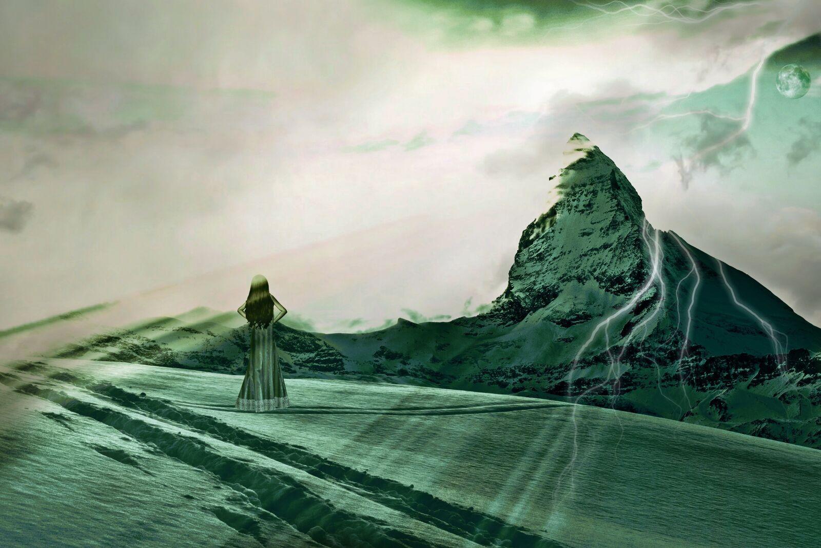 "Fujifilm X-E1 sample photo. ""Halloween, green woman, snow"" photography"