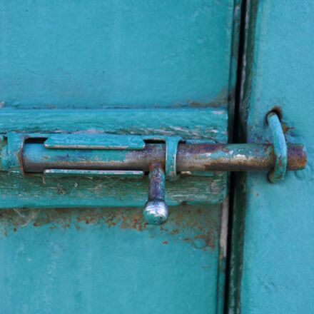 old, gate valve, from, Nikon 1 J5