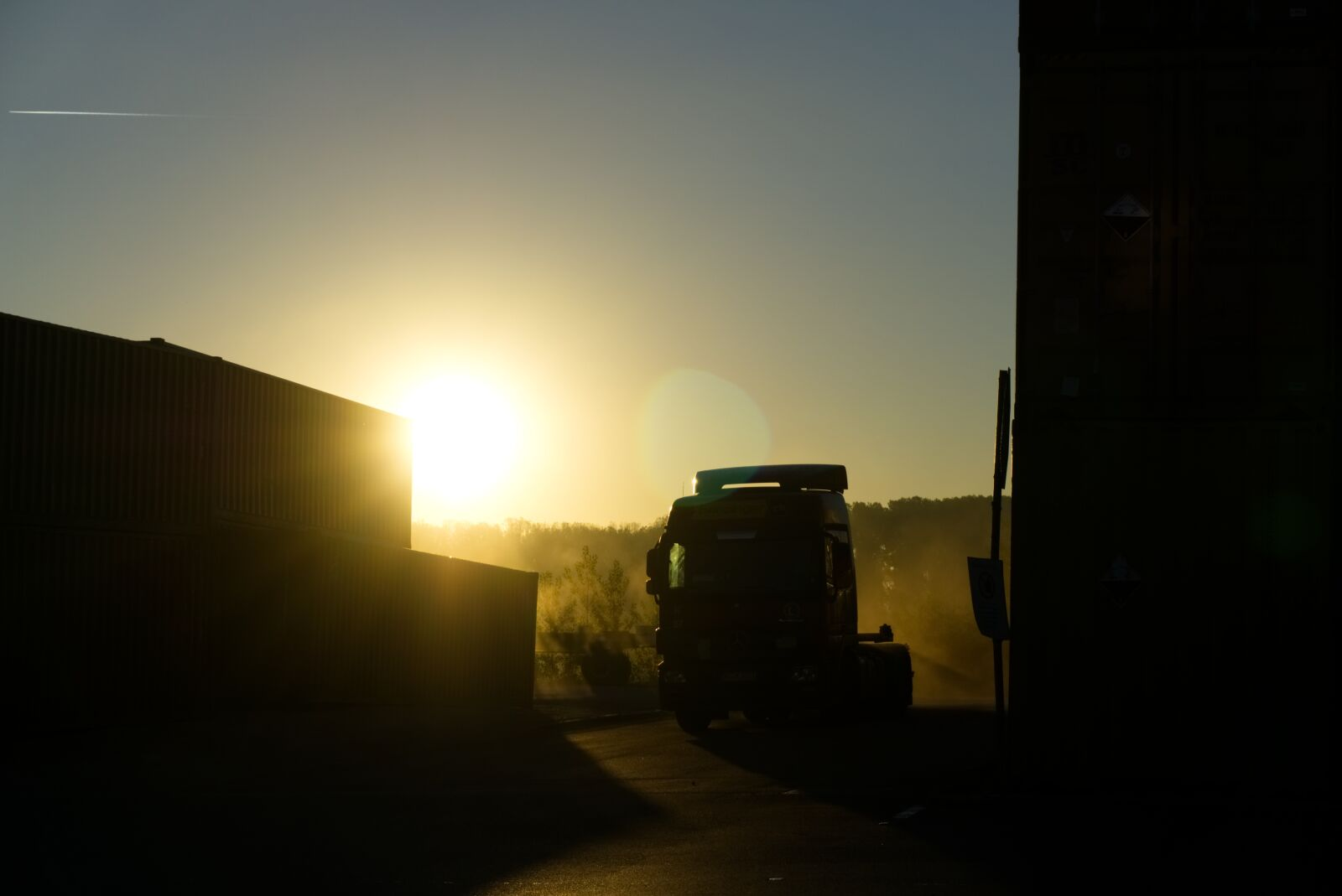 """Sony a6000 sample photo. """"Container, truck, fog"""" photography"""