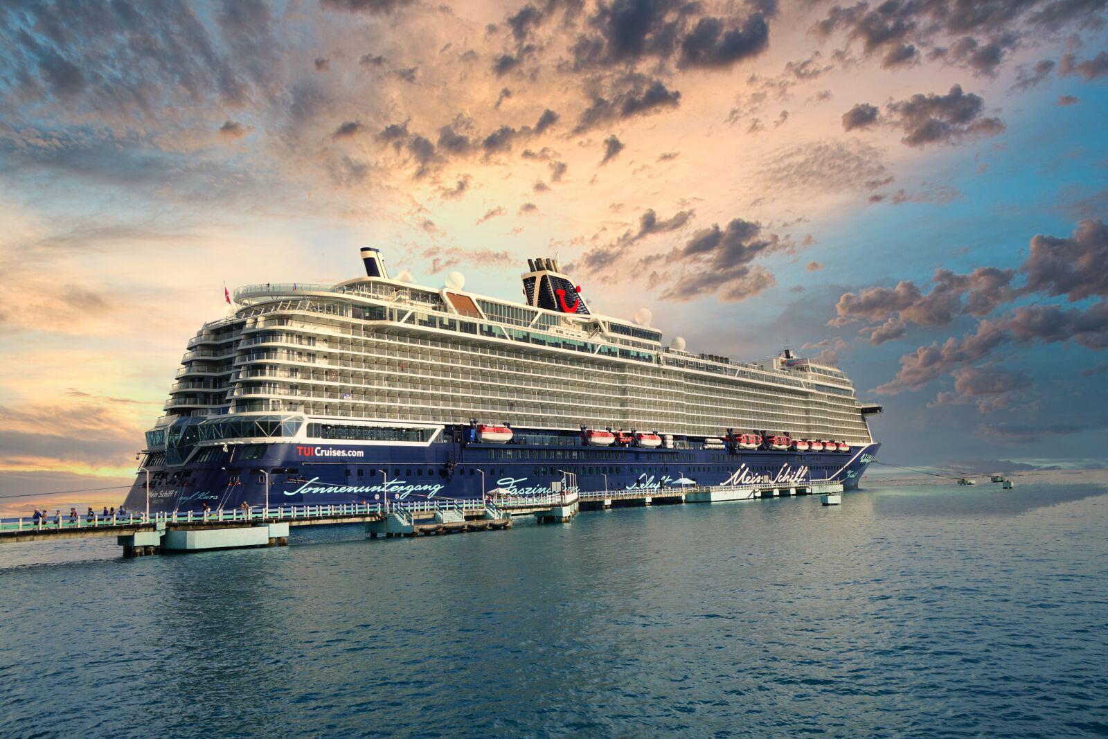 "Sony a6500 sample photo. ""Ship, travel, cruise"" photography"