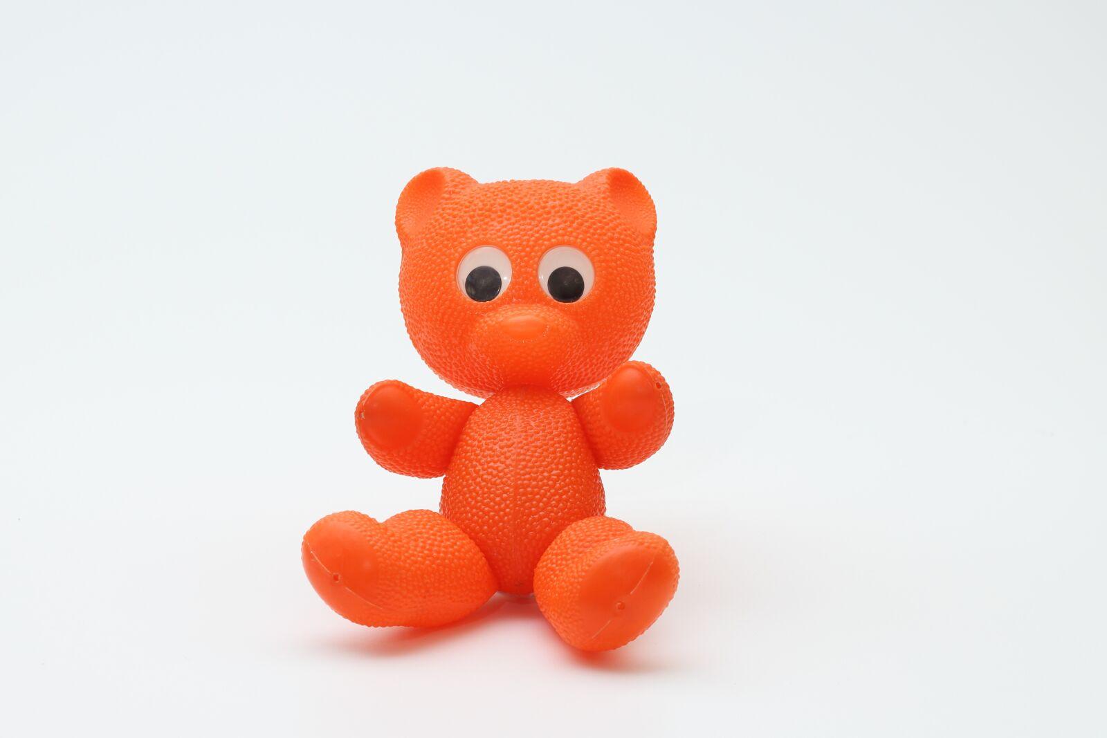 "Canon EOS 100D (EOS Rebel SL1 / EOS Kiss X7) sample photo. ""Teddy bear, toys, ddr"" photography"