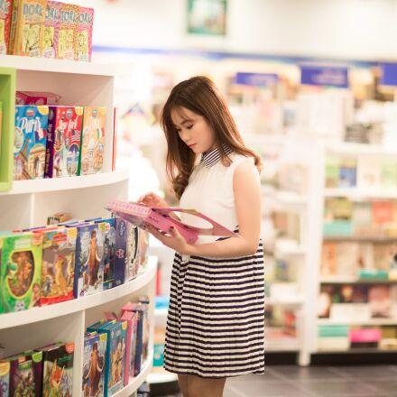 girl, shopping, toys, Canon EOS 5D MARK III