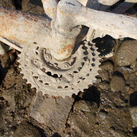 transmission, bike, rust, Nikon COOLPIX L29