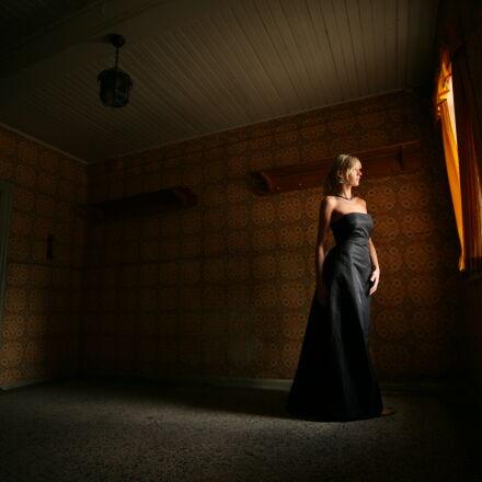 woman, window, alone, spooky, Canon EOS 5D