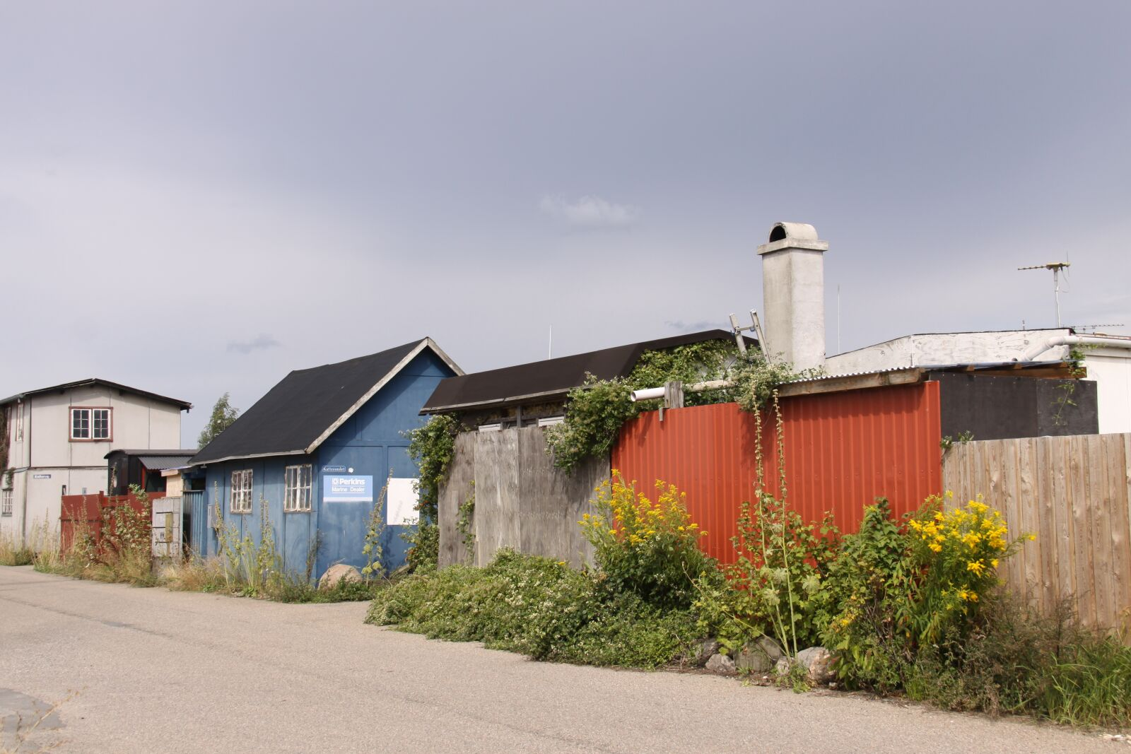 """Canon EOS 50D sample photo. """"Sheds, fishing port, road"""" photography"""