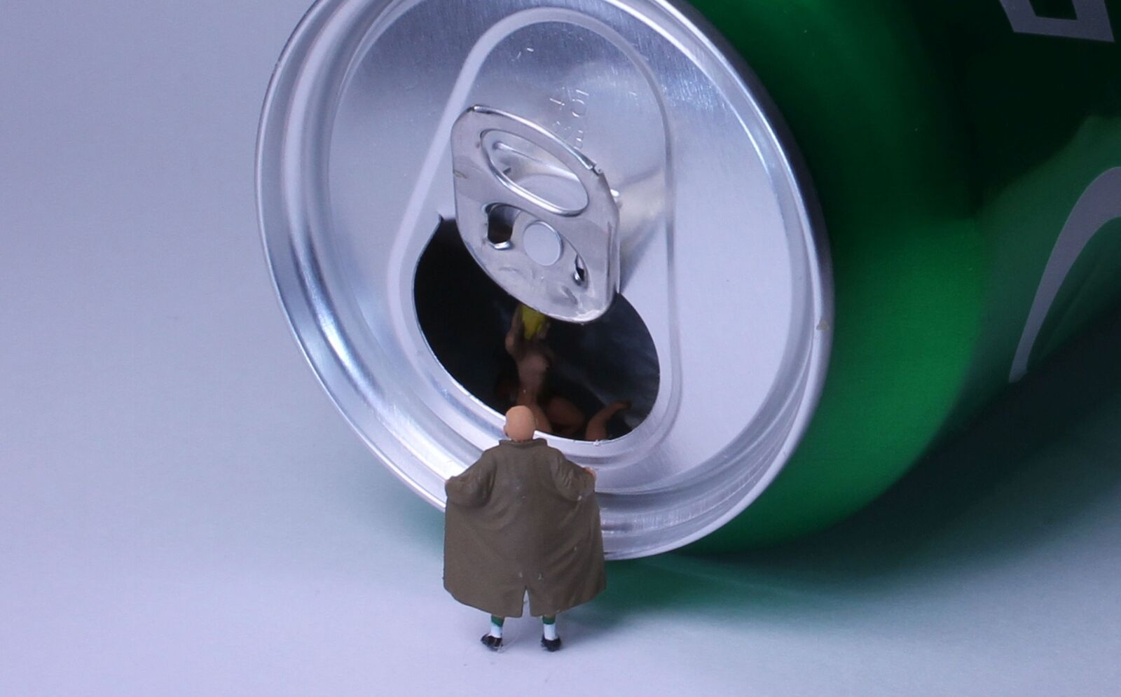 beverage can, lock ring