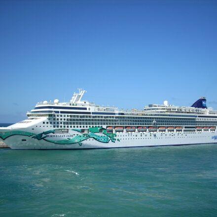 civitavecchia, ship, cruise, Nikon COOLPIX L10