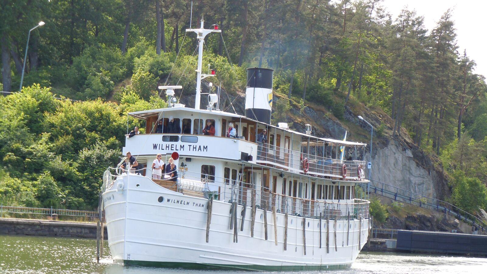 "Nikon Coolpix S8000 sample photo. ""Ship, tour, cruise"" photography"