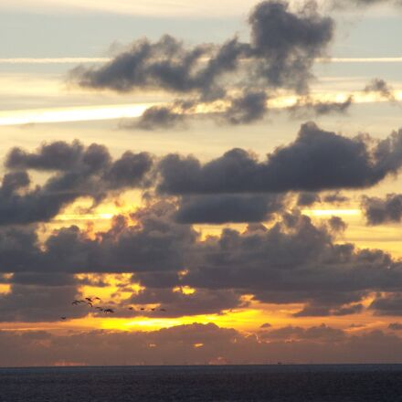 north sea, clouds, sunset, Fujifilm FinePix S9400W S9450W