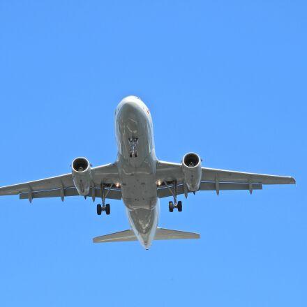 landing, aircraft, airport, Nikon COOLPIX B700