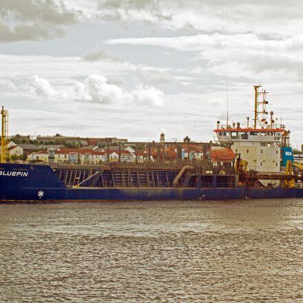 dredger, river tyne, sea, Canon EOS 7D