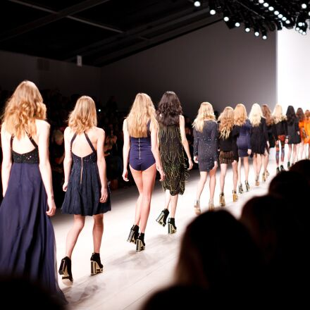 catwalk, models, women, Canon EOS 5D