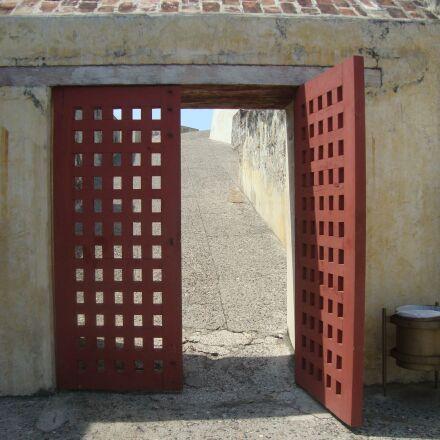 door, cartagena, wood, Sony DSC-W210