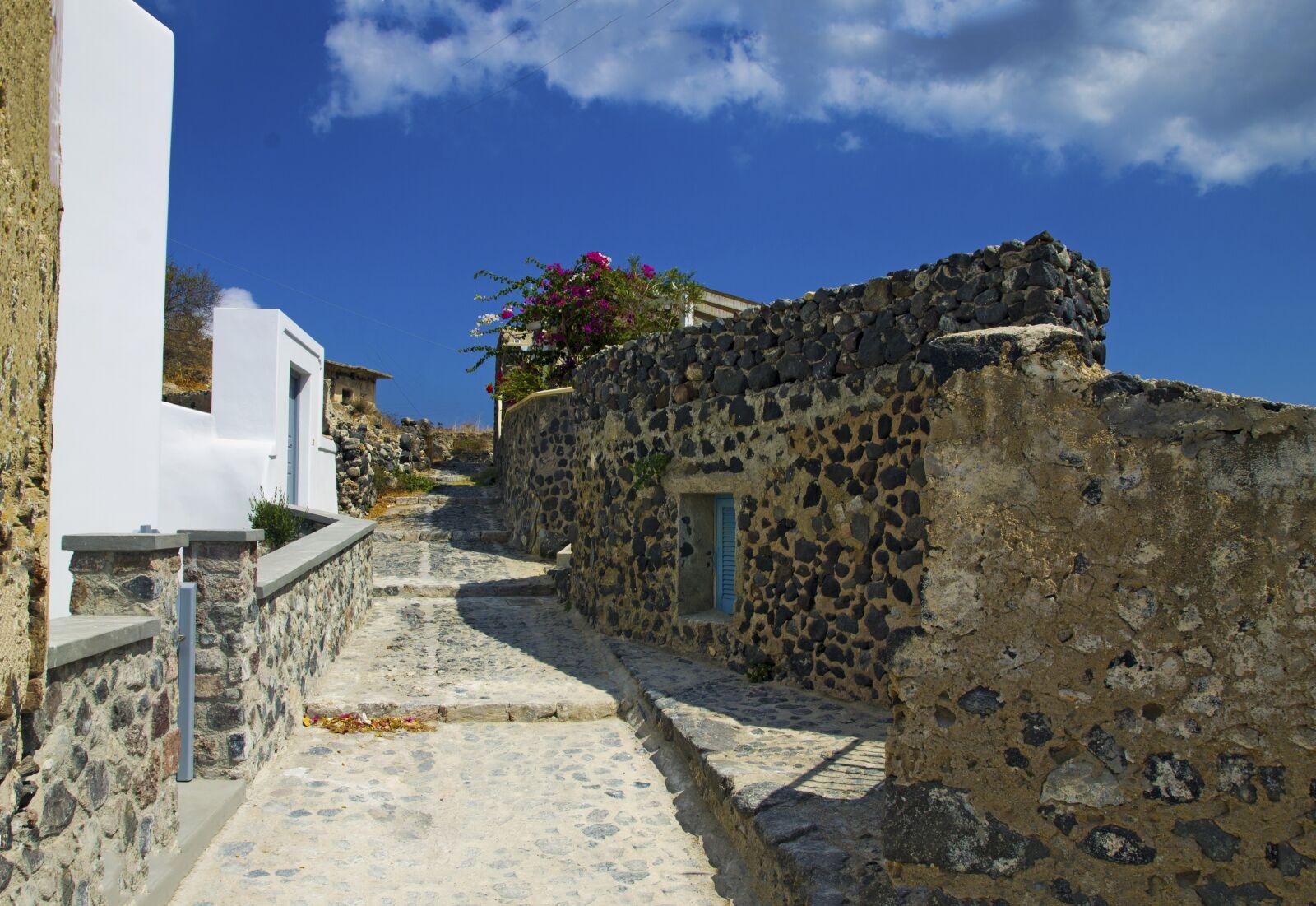 "Canon EOS 1100D (EOS Rebel T3 / EOS Kiss X50) sample photo. ""Santorini, alley, inside corner"" photography"