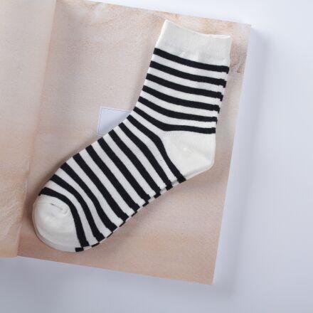 sock, black, stripes, Canon EOS 7D