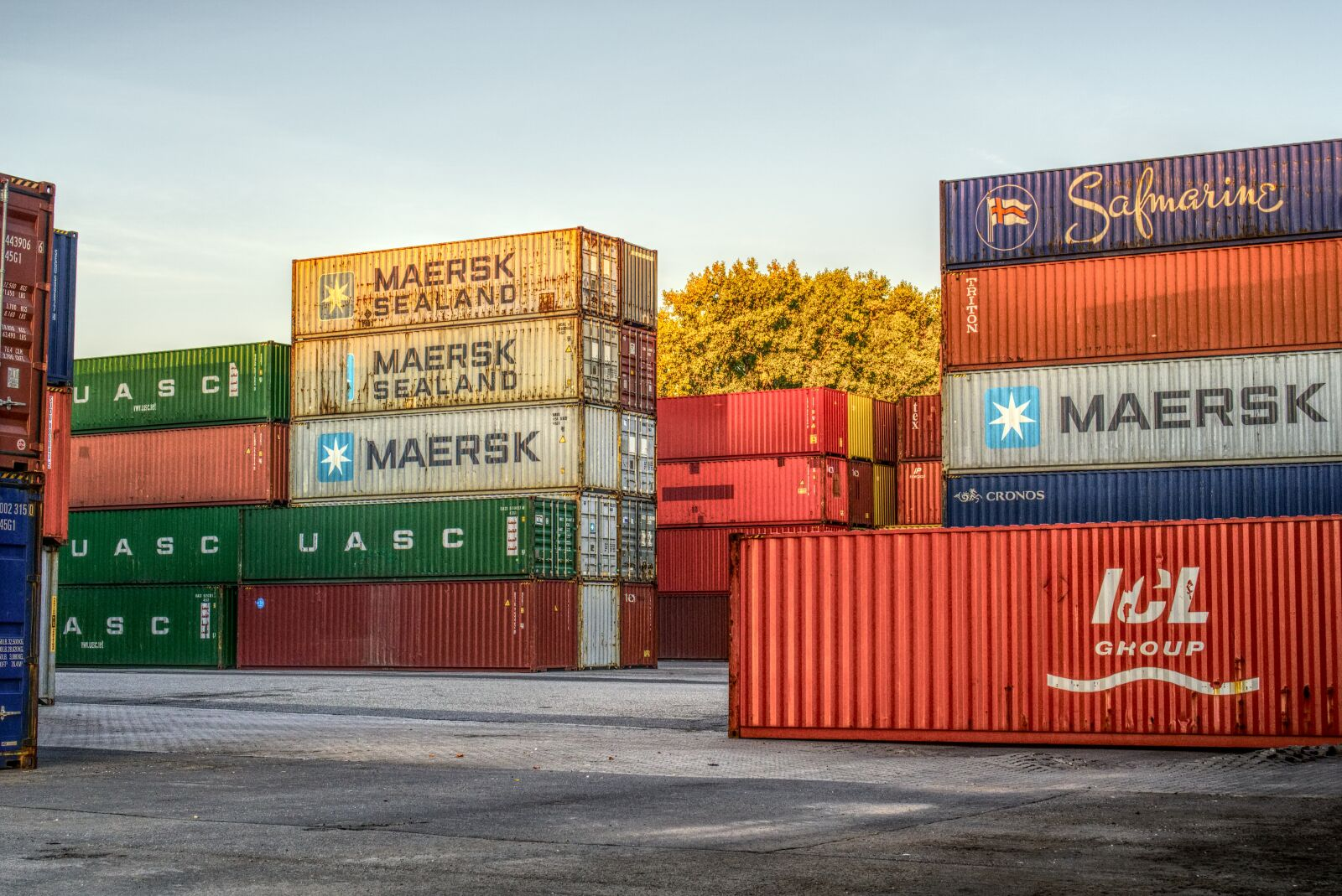 """Sony a6000 sample photo. """"Container, port, loading"""" photography"""