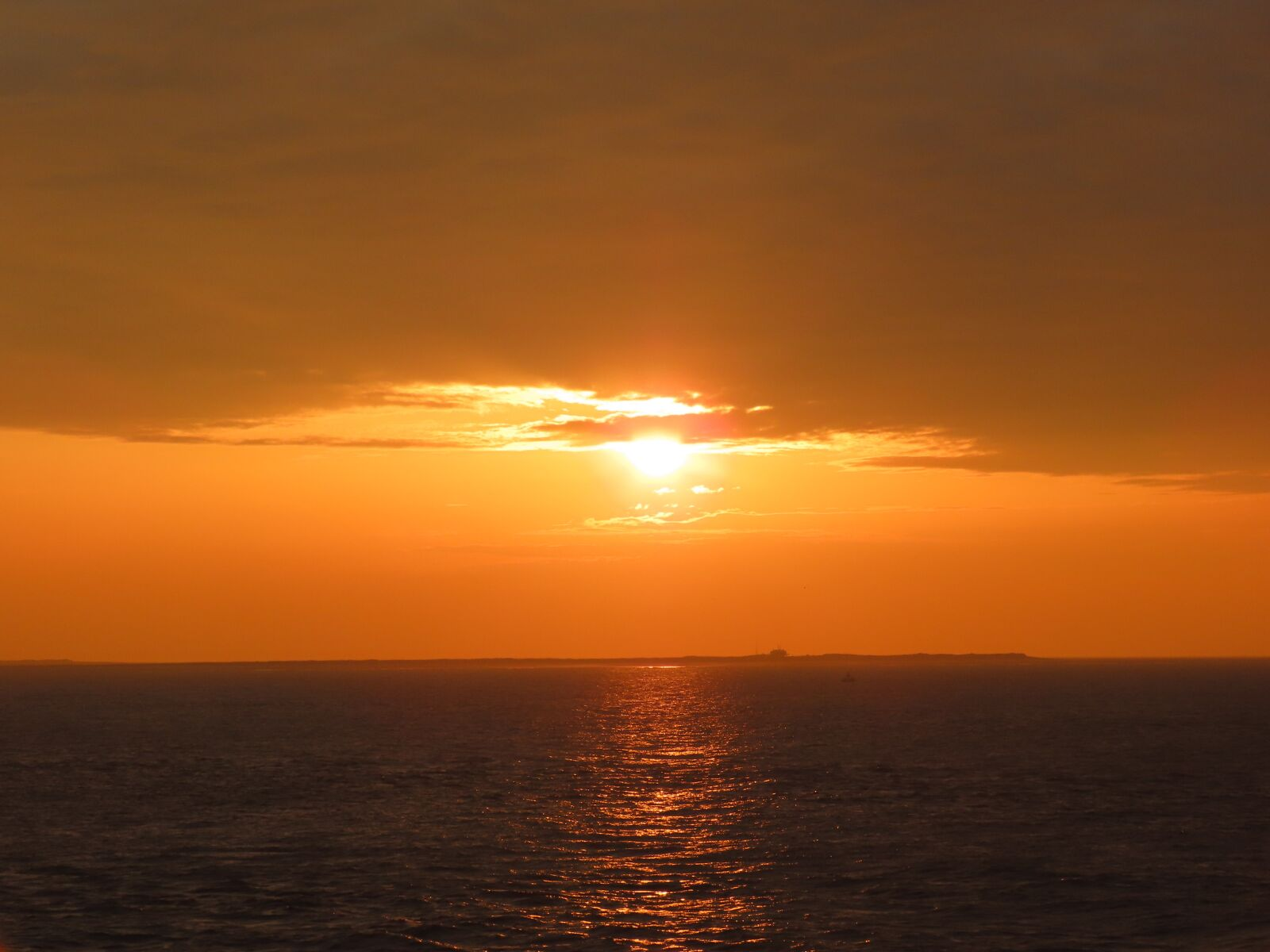 "Canon PowerShot SX70 HS sample photo. ""Sunset, lake, sky"" photography"