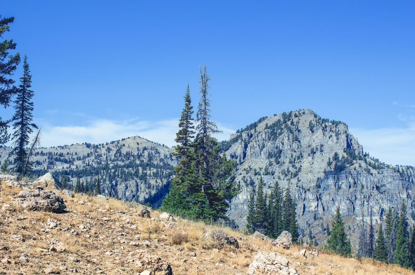 "Canon EOS 600D (Rebel EOS T3i / EOS Kiss X5) sample photo. ""Vista, mountain, peak"" photography"