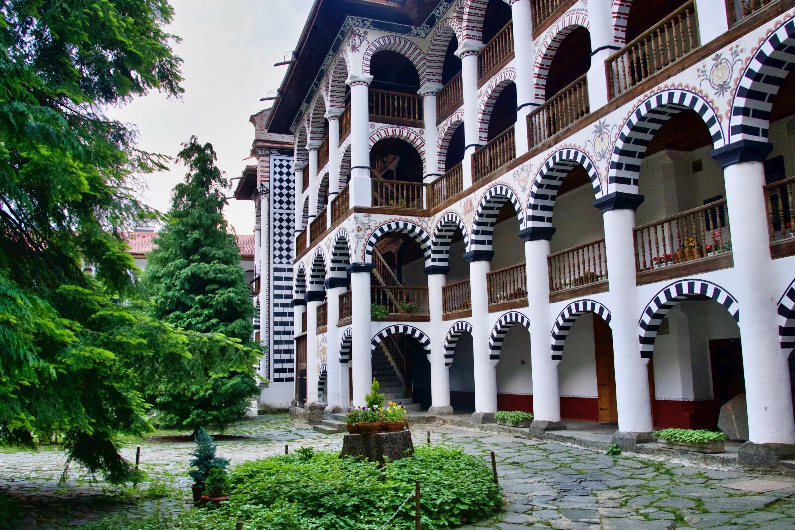 "Sony a6500 sample photo. ""Monastery, arches, rica"" photography"