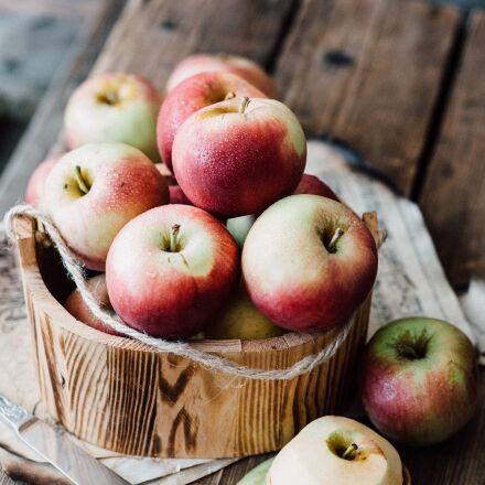 apples, still life, rustic, Canon EOS 5D MARK II