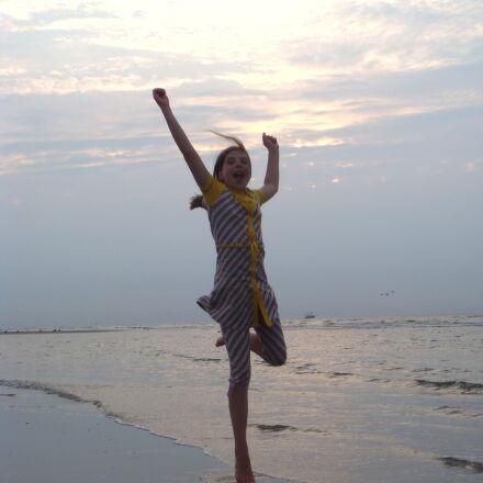 beach, girl, happy, jump, Sony DSC-T70