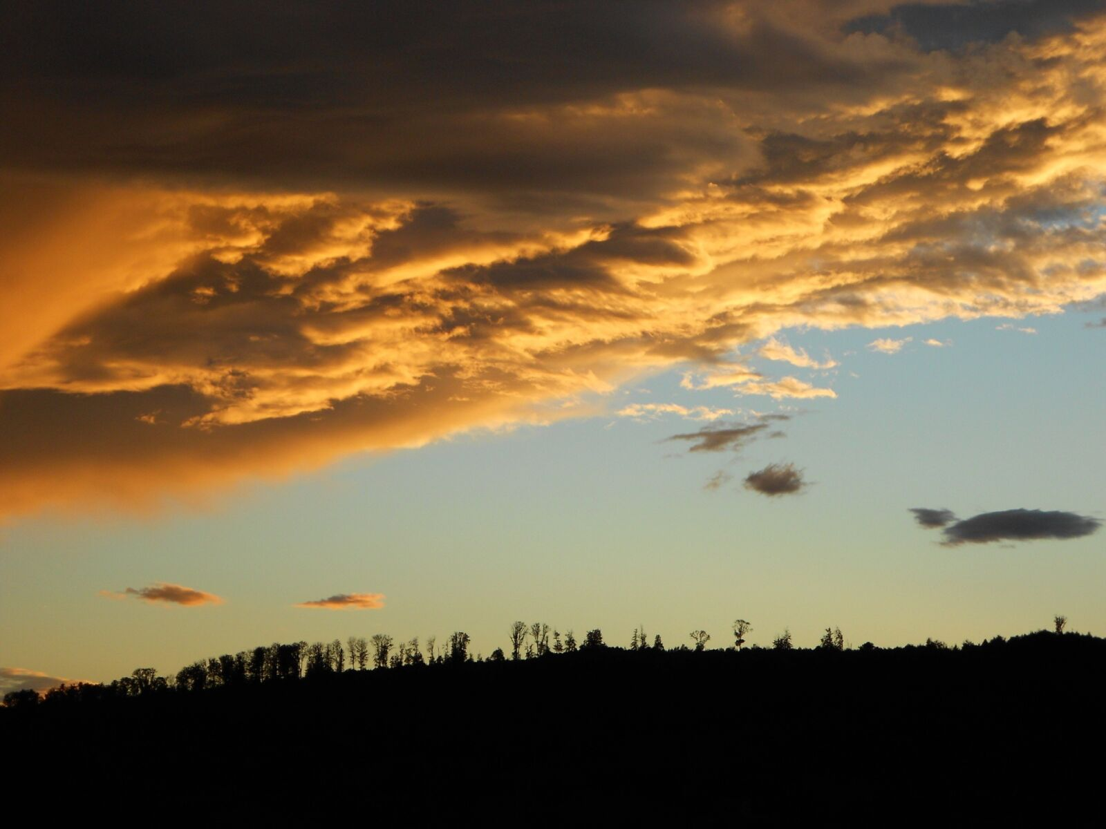 "Nikon COOLPIX S4150 sample photo. ""Dark clouds, storm clouds"" photography"