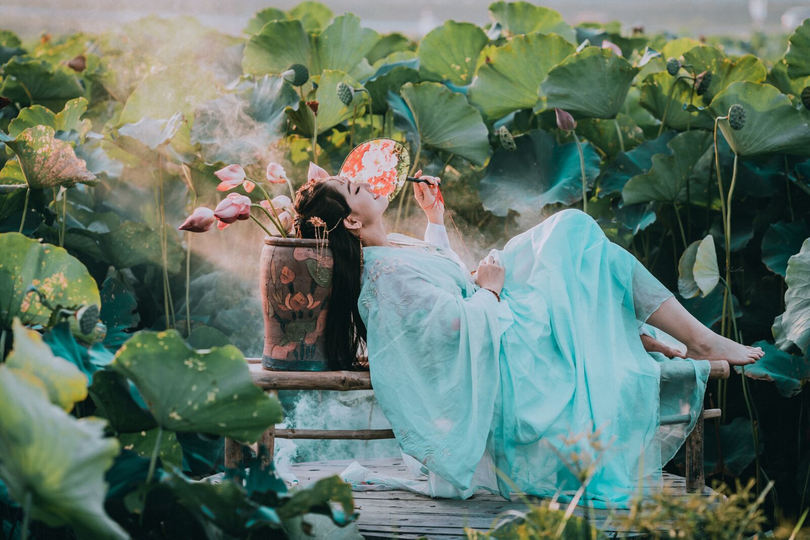 "Canon EOS-1D X Mark II sample photo. ""Hoa sen, woman, viet"" photography"