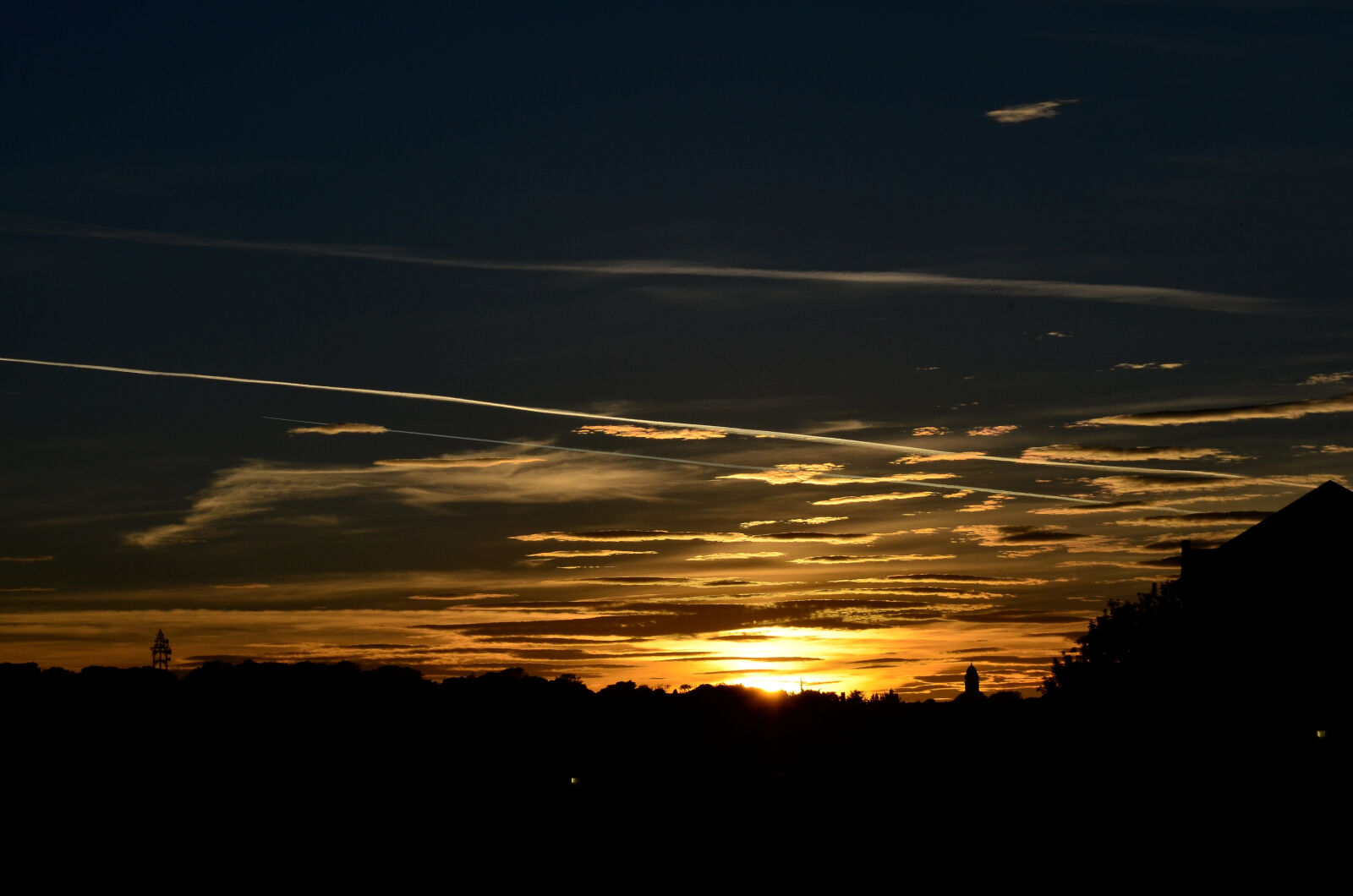 "Nikon D5100 sample photo. ""Cityscapes, sun, rays, sunset"" photography"