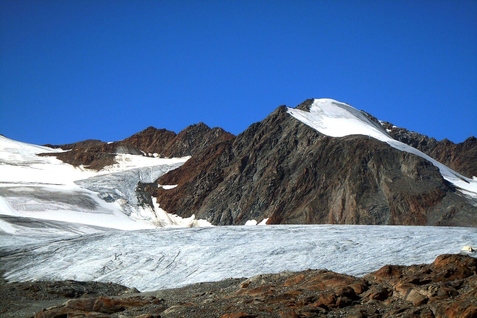 "Nikon Coolpix S8000 sample photo. ""Snow, mountain, waters"" photography"