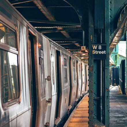 silver, train, on, w8, Nikon D3300