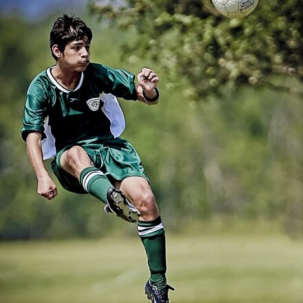 soccer, kick, kicking, Canon EOS-1D MARK II N