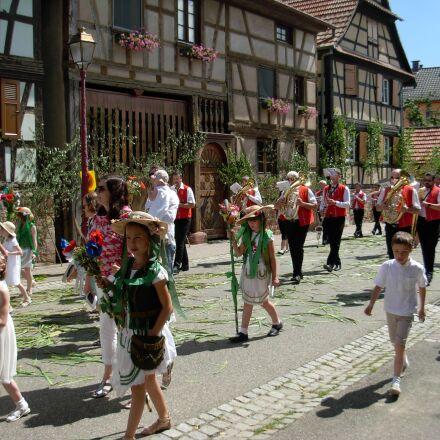 procession, religious holiday, geispolsheim, Nikon COOLPIX L5