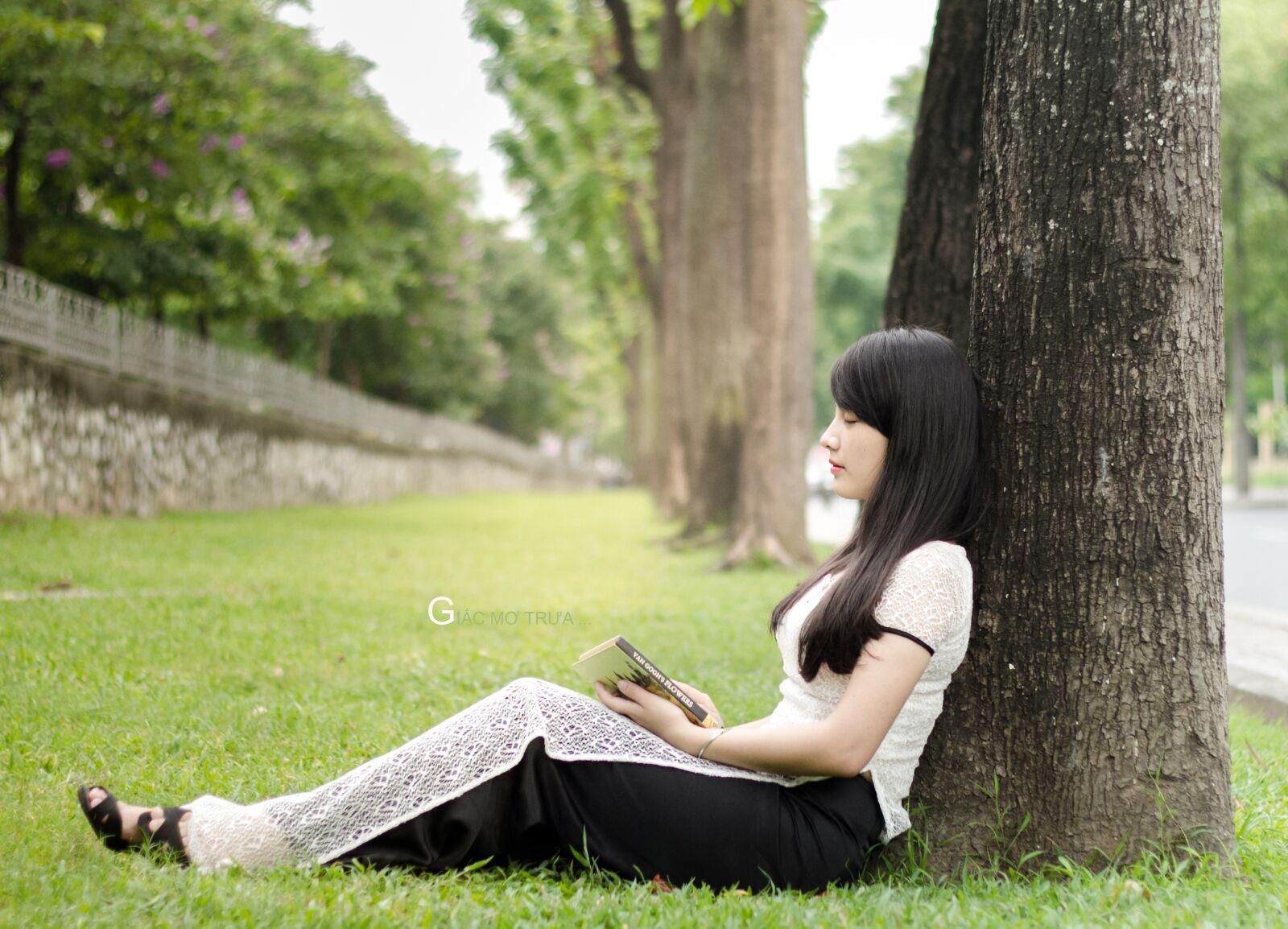 "Canon EOS 7D sample photo. ""Ao dai, student, pretty"" photography"