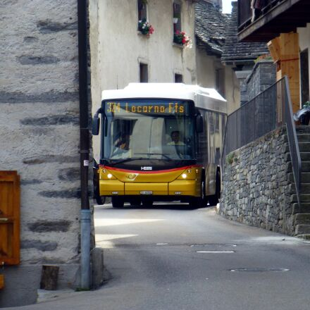 swiss postbus, village, narrow, Panasonic DMC-TZ31