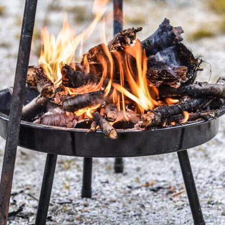 firewood, burning, in, black, Nikon D5200