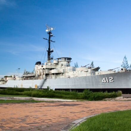 battleship, commercial, ship, Canon EOS KISS X3