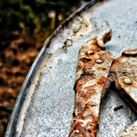 old, Canon EOS 600D