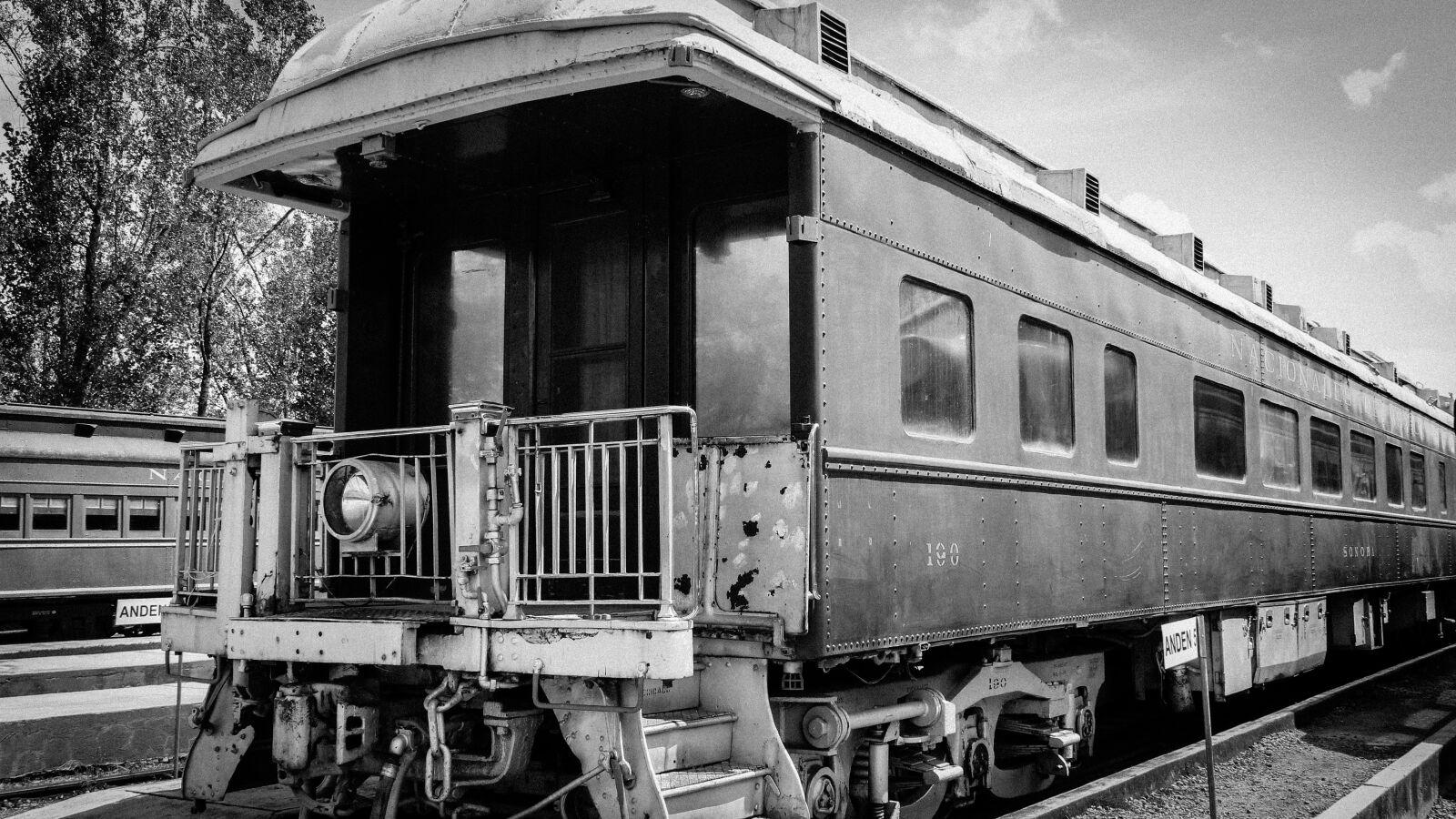 "Canon EOS 600D (Rebel EOS T3i / EOS Kiss X5) sample photo. ""Train, railway, station"" photography"