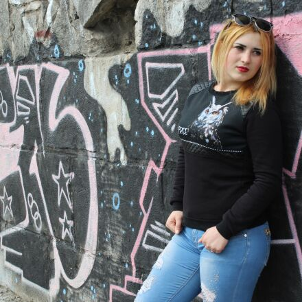 girl, graffiti, photoshoot, Canon EOS 1200D