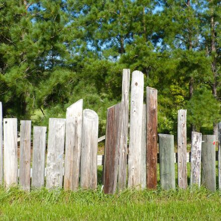 fence, telephone poles, wooden, Panasonic DMC-FZ60